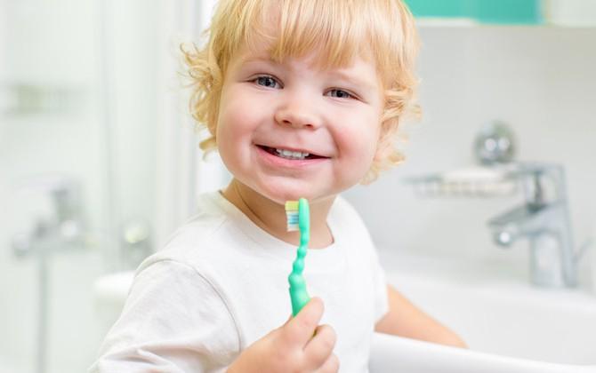 Здоровые улыбки начинаются в детстве.